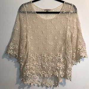 White lace long sleeved T-shirt